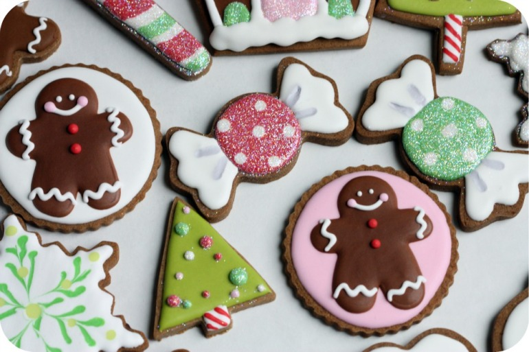 gingerbread-men-decorated-christmas-cookies1